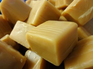 Caramello Blondies-Caramel